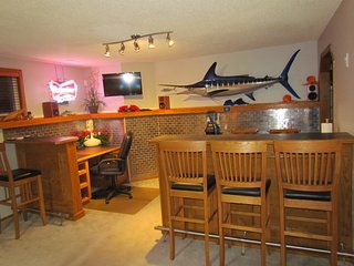 Private Walkout Executive Lower Duplex - Calgary vacation rentals
