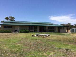 The Farm Barnstay, Ideal Family or large group Getaway. - Waitpinga vacation rentals