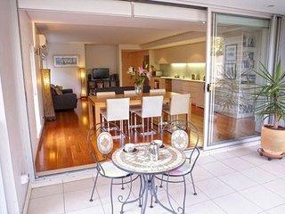 Purpose Designed Contemporary Bondi Apartment BOND3 - Bondi vacation rentals