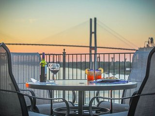 Amazing Loft with Private Parking and Deck overlooking River Street - Savannah vacation rentals