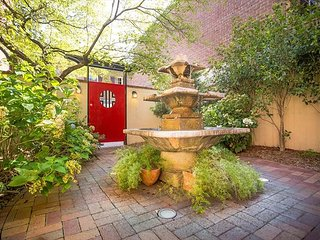 Beautiful Garden Apartment on Calhoun Square - Savannah vacation rentals