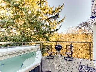 Stylish, waterfront home w/private hot tub - 5 blocks from the beach! - Seaside vacation rentals