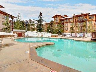 Stylish ski-in/ski-out condo w/ shared hot tub & pool + access to Club Solitude! - Solitude vacation rentals