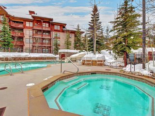 Cozy ski-in/out condo w/ Club Solitude access - shared hot tub, pool & more! - Solitude vacation rentals