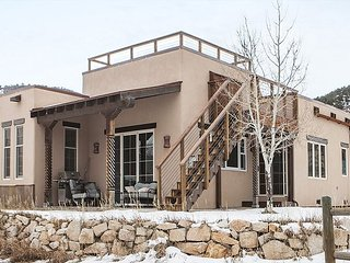 Newly Remodeled Home in Ridgway - Hot Tub (Mid Feb 2017) - Foosball Table - Ridgway vacation rentals