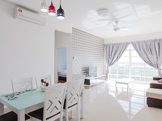 12stay.my Nusa Heights Apartment (3Bedroom) A1402 - Gelang Patah vacation rentals