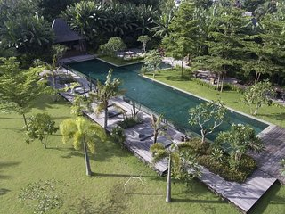 Serenity River Estate Villa, 9 bedrooms, feaute pool and gardens, chef, Canggu - Kerobokan vacation rentals