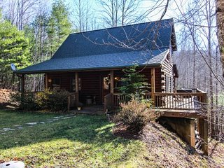Gorgeous 2 bedroom Fleetwood Cabin with Internet Access - Fleetwood vacation rentals