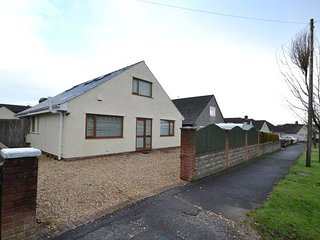 Bespoke Modern Family Home in Rhiwbina - Cardiff vacation rentals