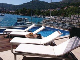 3 bedroom Villa in Dubrovnik-Mokosica, Dubrovnik Riviera, Croatia : ref 2276805 - Mokosica vacation rentals