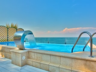 Villa Sarah - Elegant Beachfront Property - Umag vacation rentals