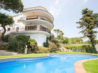 7 bedroom Villa in Playa de Aro, Costa Brava, Spain : ref 2284941 - Castell-Platja d'Aro vacation rentals