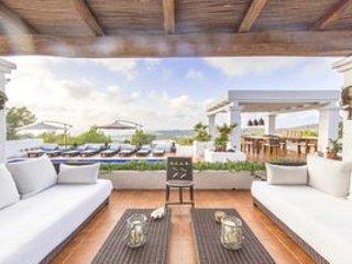 Villa mit 4 Schlafzimmer, Swimmingpool, Garten und wunderbarem Meerblick - Cala Tarida vacation rentals