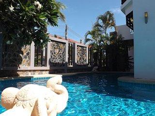 Jomtien Beach Villa 5 Bed Rooms - Pattaya vacation rentals