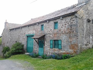 3 bedroom House with Satellite Or Cable TV in Grandrieu - Grandrieu vacation rentals