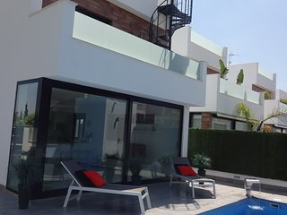 Luxury 4 Bed Villa with Private Heated Pool close to beach and airport - San Pedro del Pinatar vacation rentals