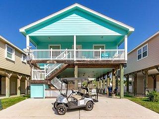 Lost Shaker of Salt: Community Pool, *Free Golf Cart, Close to Beach, Pets - Port Aransas vacation rentals