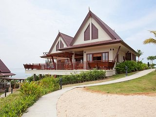 2 bedroom Villa with Shared Outdoor Pool in Ko Lanta Yai - Ko Lanta Yai vacation rentals