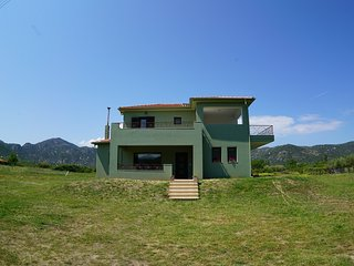 Relax with the sounds of nature in Sykia Chalkidiki. - Sykia vacation rentals