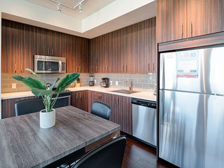 Beautiful 9th Avenue Apartment by Stay Alfred - Portland vacation rentals