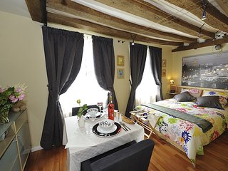 A4DF Syracuse - Paris vacation rentals