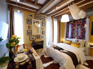E4DD Bollywood & Co - Paris vacation rentals