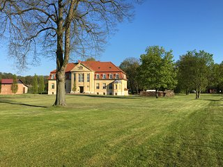 Romantic 1 bedroom Castle in Neuruppin - Neuruppin vacation rentals