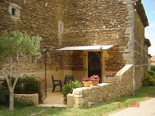 1 bedroom House with Internet Access in Grillon - Grillon vacation rentals