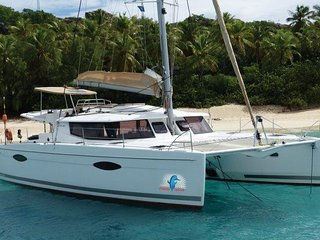 2014 44' Helio Fountaine Pajot Sleeps 6! - Road Town vacation rentals