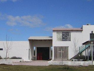 4 Bedroom Home with Beautiful Views in Laguna Garzon - Jose Ignacio vacation rentals