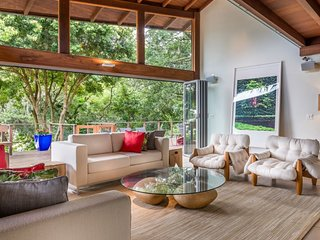 Beautiful 5 Bedroom Mansion on a Lagoon in Lagoa - Florianopolis vacation rentals