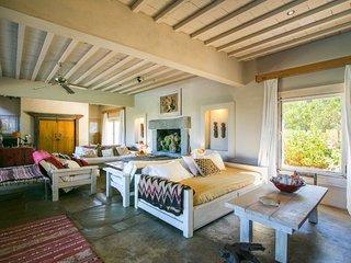 Picturesque 5 Bedroom Home El Chorro - Punta del Este vacation rentals