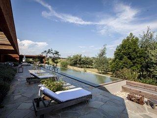 Amazing 4 Bedroom Home near La Barra - Punta del Este vacation rentals