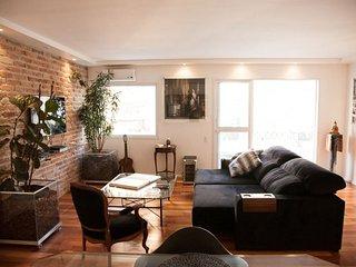 Pleasant 2 Bedroom Apartment in Itaim Bibi - Sao Paulo vacation rentals