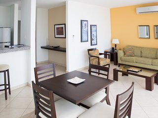 Cozy 1 Bedroom Apartment in Coco Del Mar - Panama City vacation rentals