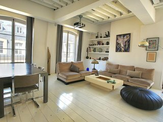 Design-Forward 1 Bedroom Apartment in Louvre - Paris vacation rentals