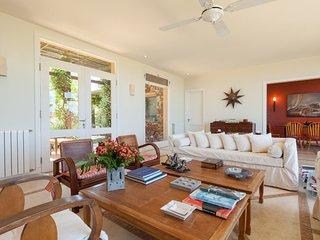Comfortable 5 Bedroom Beachside Home in Manantiales - Punta del Este vacation rentals