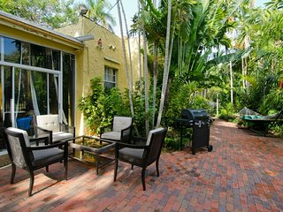 HOUSE+Garden & Terrace**No 1 Location**PROMO** Large Groups-Quick access to all - Coconut Grove vacation rentals