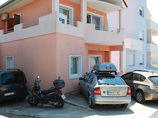 Charming apartment only one min from the sea with terrace facing the sea - Diklo vacation rentals