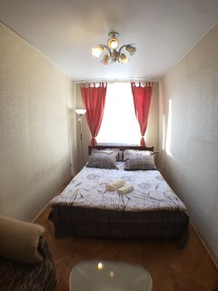 Cozy Central one bedroom flat, Tishinka area, near Beloruskij station - Moscow vacation rentals