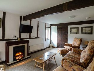 THE OLD PRINT ROOM barn conversion, on working farm, next to forest in Thetford, Ref 928854 - Thetford vacation rentals