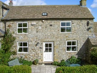 THE STONE BYRE, bike storage, front patio with BBQ, Barnard Castle, Ref 21862 - Barnard Castle vacation rentals
