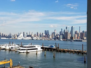Breathtaking Manhattan New York City Skyline Views on the Hudson River - Weehawken vacation rentals