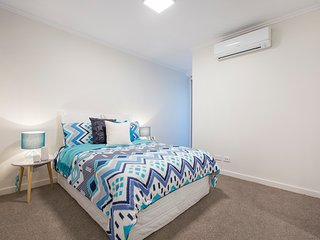 Brand New Lutwyche Apartment with Great Location - Chermside vacation rentals
