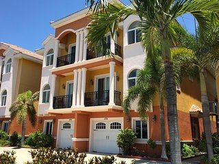 Waterfront Beach-Home: The Best of the Beach and the Bay - Redington Shores vacation rentals