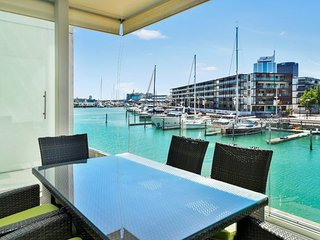 2 Bedroom Auckland Viaduct Harbour Serviced Apartment Includes Carpark - Auckland vacation rentals