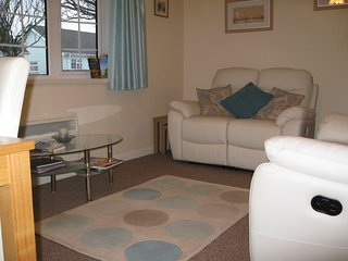 Gower Holiday Bungalow, immaculate,heated. Quiet village, pool, play areas,shop - Scurlage vacation rentals