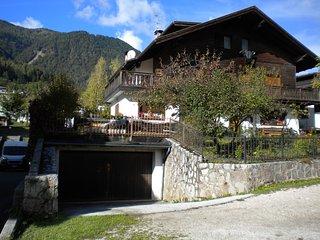 Appartamento Casa il Picchio Rosso - Domegge di Cadore vacation rentals