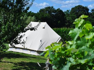 Bidas Vineyard Glamping-stylish bell tent,sleeps 4 with wifi - Pouillon vacation rentals