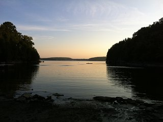 Family Lakehouse on Private Sandy Cove on Mallet's Bay (Lake Champlain) - Colchester vacation rentals